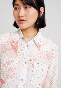 Calvin Klein Jeans - PATCHWORK PRINT WESTERN - Hemdbluse - orange/mint - 3