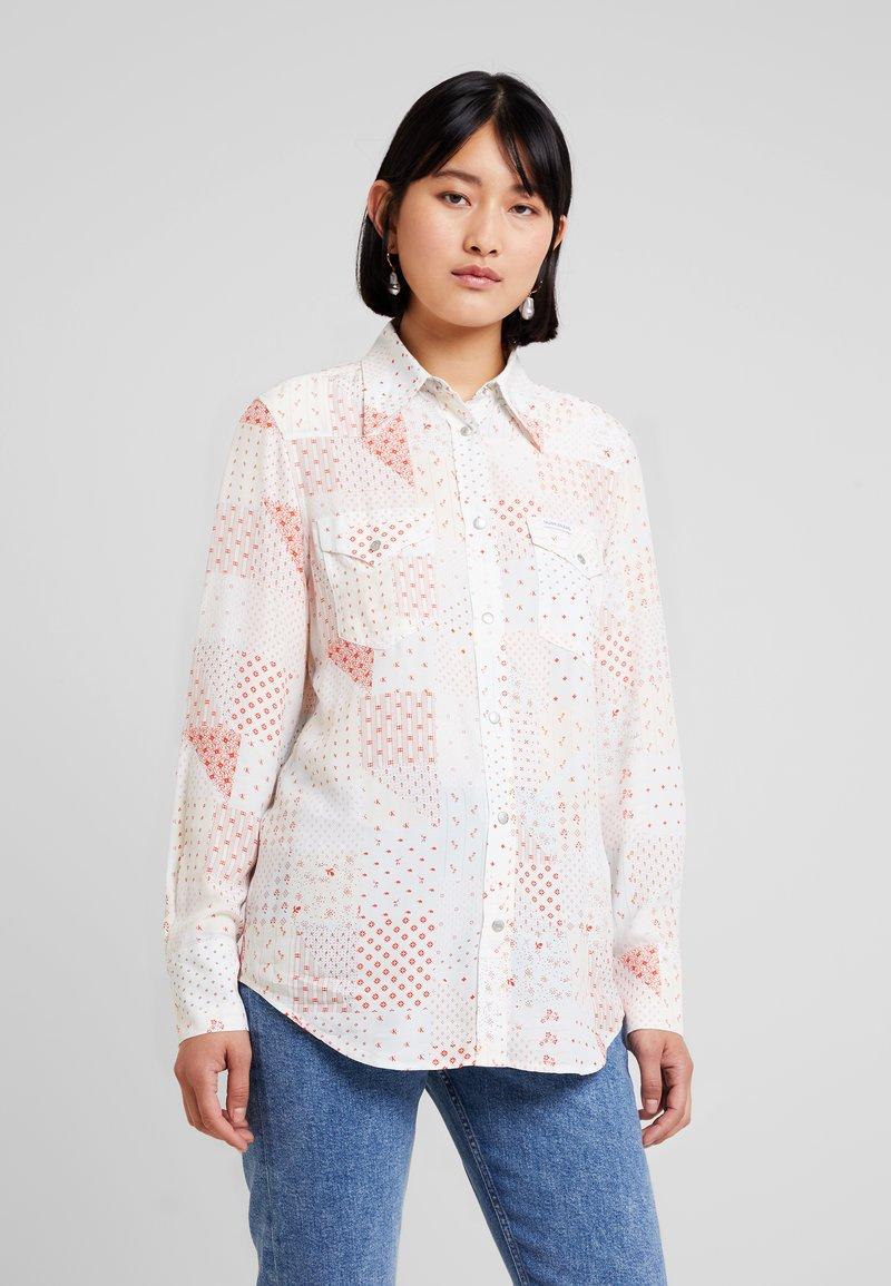 Calvin Klein Jeans - PATCHWORK PRINT WESTERN - Hemdbluse - orange/mint