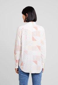 Calvin Klein Jeans - PATCHWORK PRINT WESTERN - Hemdbluse - orange/mint - 2