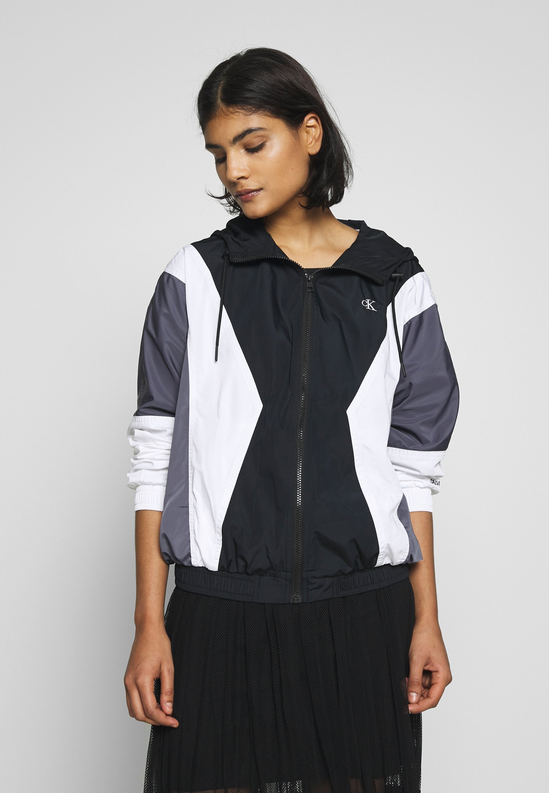 Calvin Klein Jeans COLOR BLOCKING WINDBREAKER - Kurtka wiosenna - black/abstract grey/white