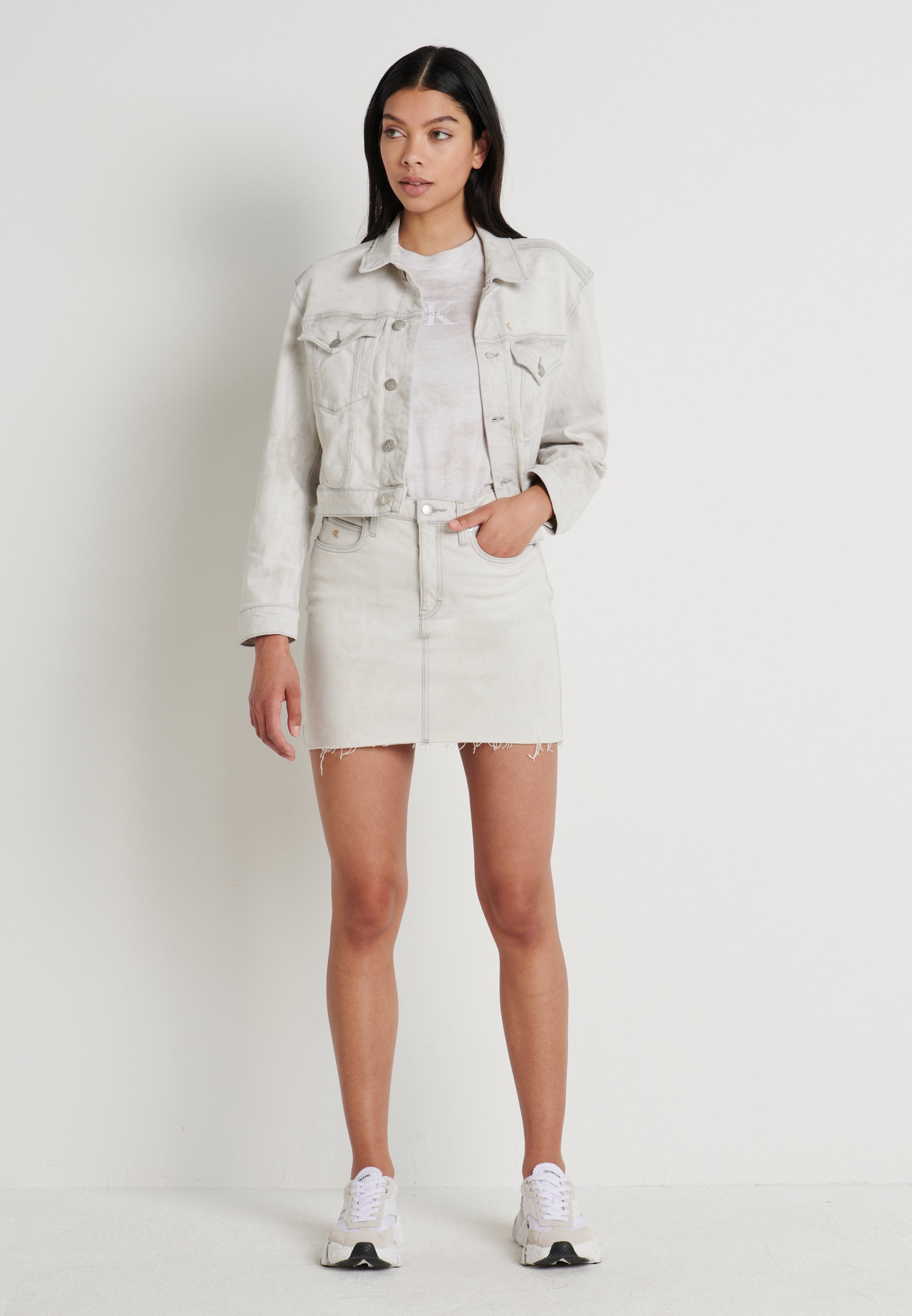 Calvin Klein Jeans Cropped Foundation Trucker - Denim Jacket Bleach Grey