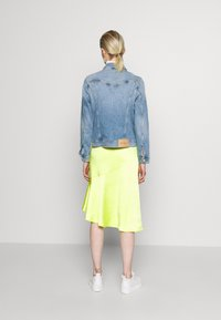 Calvin Klein Jeans - FOUNDATION TRUCKER - Veste en jean - light blue - 2