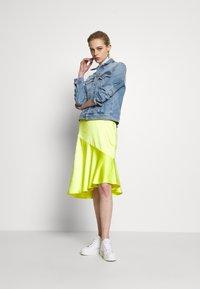 Calvin Klein Jeans - FOUNDATION TRUCKER - Veste en jean - light blue - 1