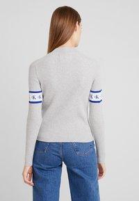 Calvin Klein Jeans - MONOGRAM TAPE - Maglione - light grey heather - 2