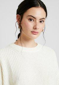 Calvin Klein Jeans - BLEND - Jersey de punto - winter white - 3