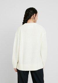 Calvin Klein Jeans - BLEND - Jersey de punto - winter white - 2