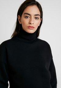 Calvin Klein Jeans - OVERSIZED TURTLE NECK - Pullover - black - 3