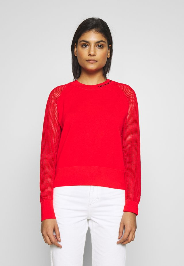 SWEATER WITH MESH SLEEVES - Jersey de punto - fiery red