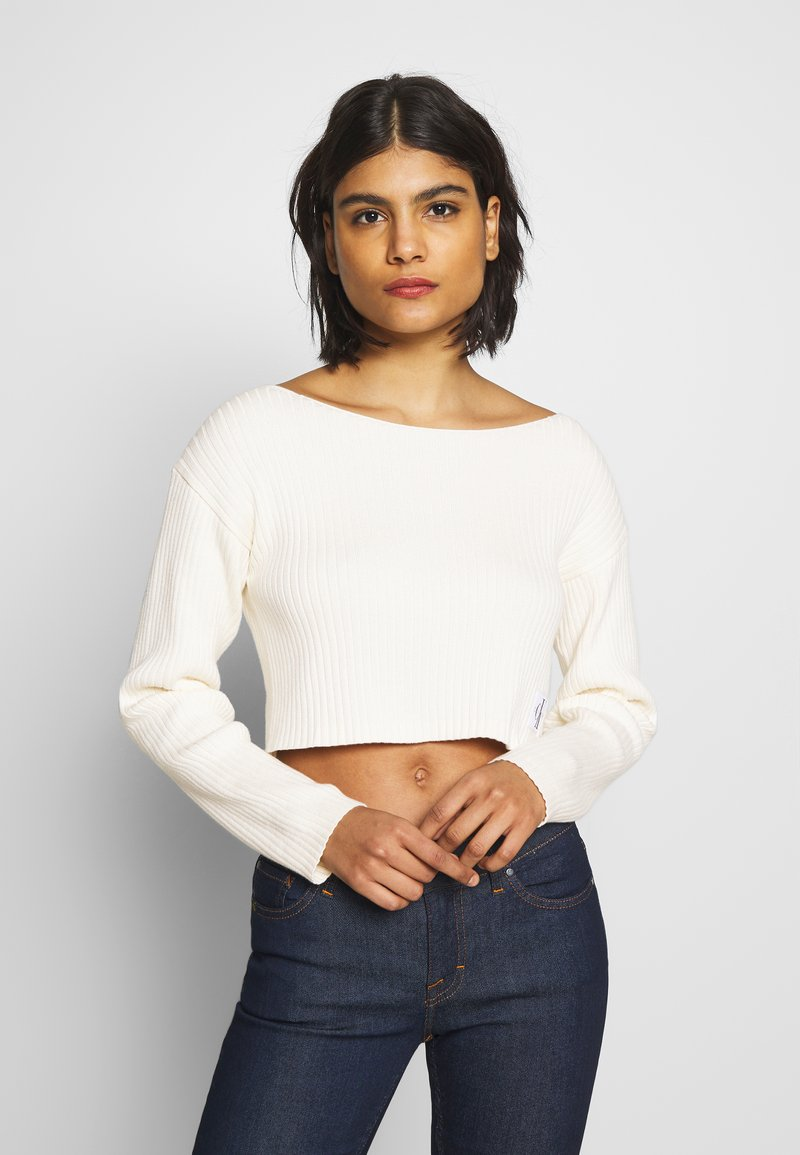 Calvin Klein Jeans - CROPPED BOAT NECK SWEATER - Pullover - offwhite