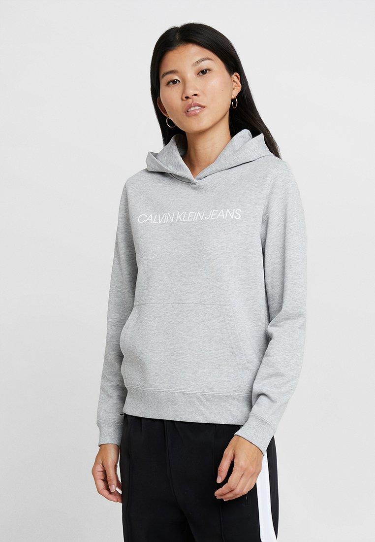 Calvin Klein Jeans - INSTITUTIONAL HOODIE - Hoodie - light grey heather