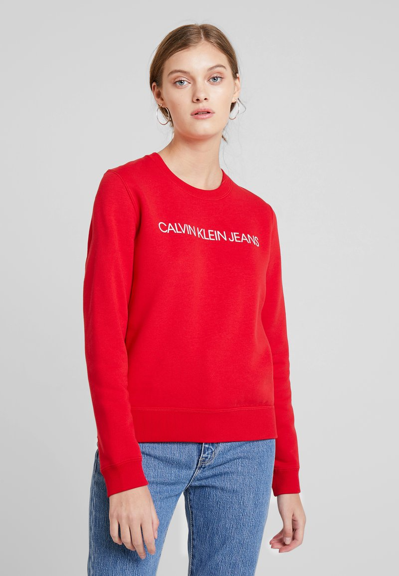 Calvin Klein Jeans - INSTITUTIONAL REGULAR CREW NECK - Sweatshirt - barbados cherry