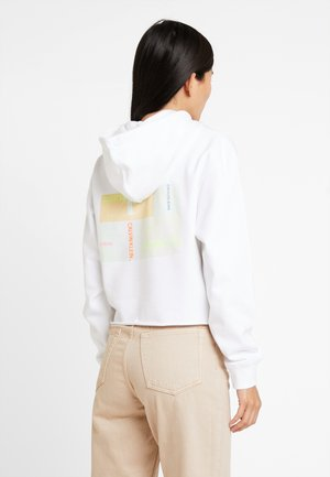 MULTI LOGO GRAPHIC HOODIE - Bluza z kapturem - bright white