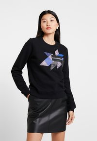 Calvin Klein Jeans - QUILT GRAPHIC CREW NECK - Sweatshirt - black - 0