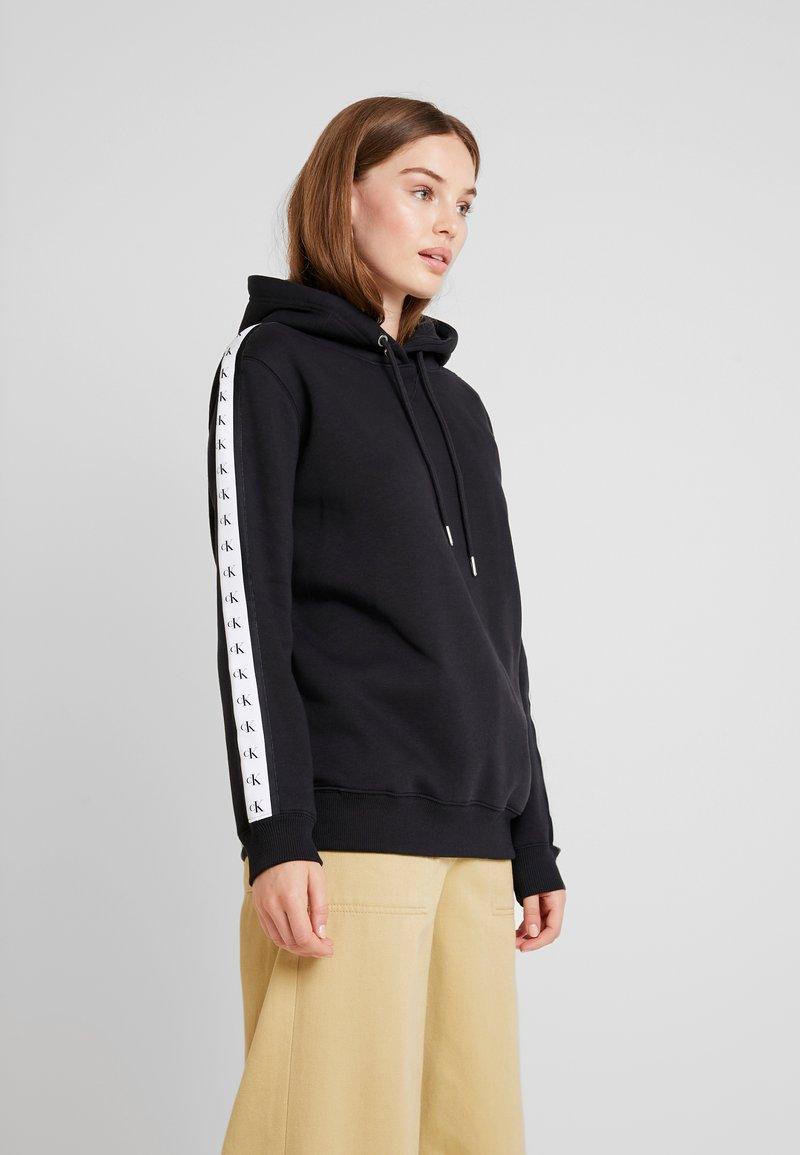 Calvin Klein Jeans - MONOGRAM TAPE HOODIE - Hoodie - black