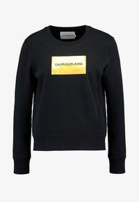Calvin Klein Jeans - INSTIT GOLD BOX LOGO - Sweatshirt - black - 3
