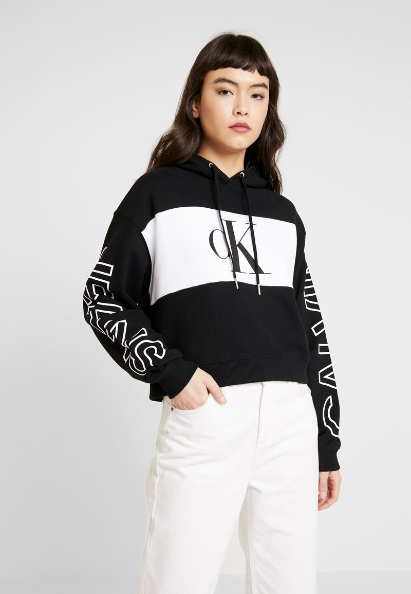Calvin Klein Jeans - BLOCKING STATEMENT LOGO HOODIE - Hoodie - black/white