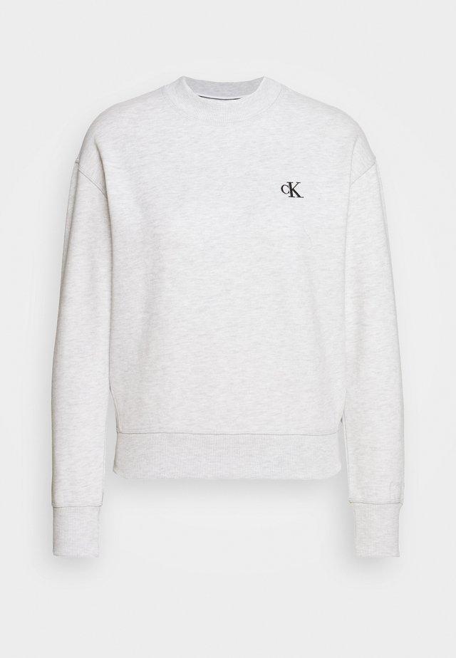 EMBROIDERY REGULAR CREW NECK - Sweatshirts - white grey heather