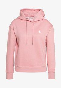 Calvin Klein Jeans - EMBROIDERY HOODIE - Hoodie - brandied apricot - 0