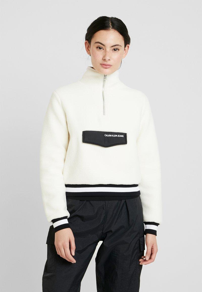 Calvin Klein Jeans - SHERPA HALF ZIP MOCK NECK - Forro polar - winter white