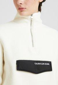 Calvin Klein Jeans - SHERPA HALF ZIP MOCK NECK - Forro polar - winter white - 5