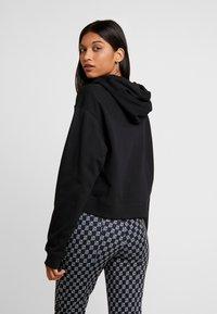 Calvin Klein Jeans - SMALL LOGO CROPPED BOYFRIEND HOODY - Hoodie - black beauty/silver logo - 2