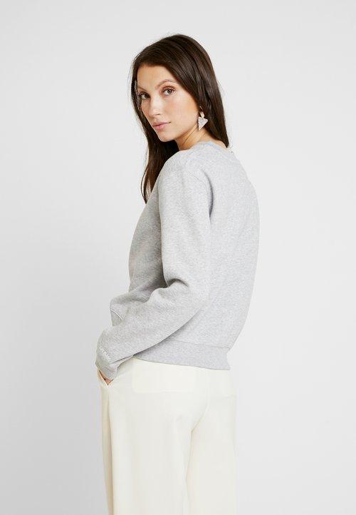Calvin Klein Jeans BOXY CREW NECK - Bluza - light grey heather Odzież Damska UDKS-CP6 tani