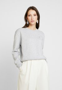 Calvin Klein Jeans - BOXY CREW NECK - Sweatshirt - light grey heather - 0