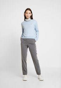 Calvin Klein Jeans - BOXY CREW NECK - Sweatshirt - skyway - 1