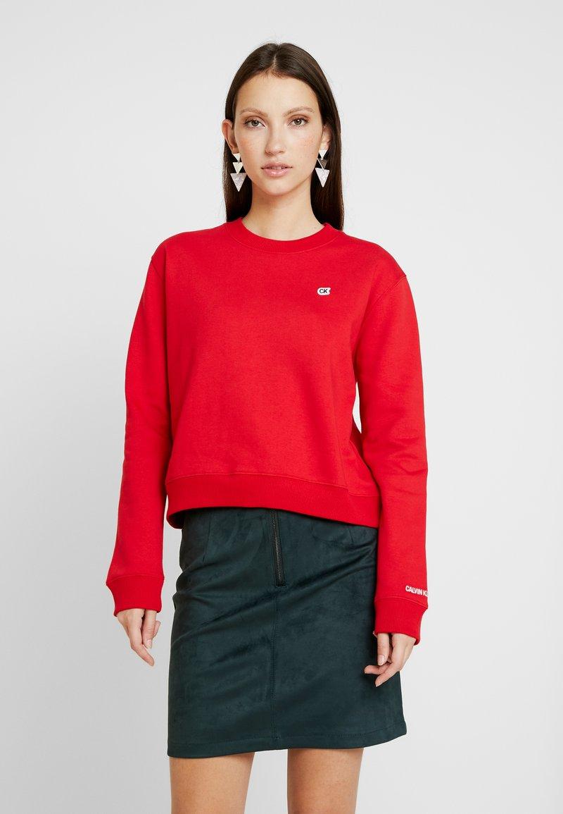 Calvin Klein Jeans - BOXY CREW NECK - Sweatshirt - barbados cherry