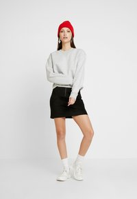 Calvin Klein Jeans - RAW HEM CREW NECK - Sweater - light grey heather - 1