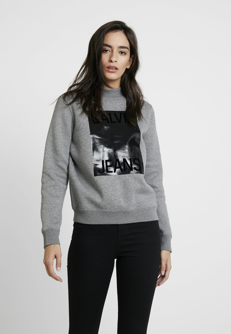 Calvin Klein Jeans - MOCK NECK - Sweatshirt - mid grey heather