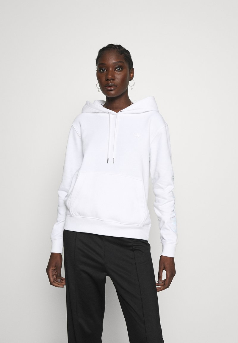 Calvin Klein Jeans - DEGRADE LOGO RELAXEDHOODIE - Mikina skapucí - bright white