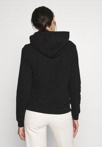 Calvin Klein Jeans - MONOGRAM RELAXED SHORT HOODIE - Mikina skapucí - black - 2