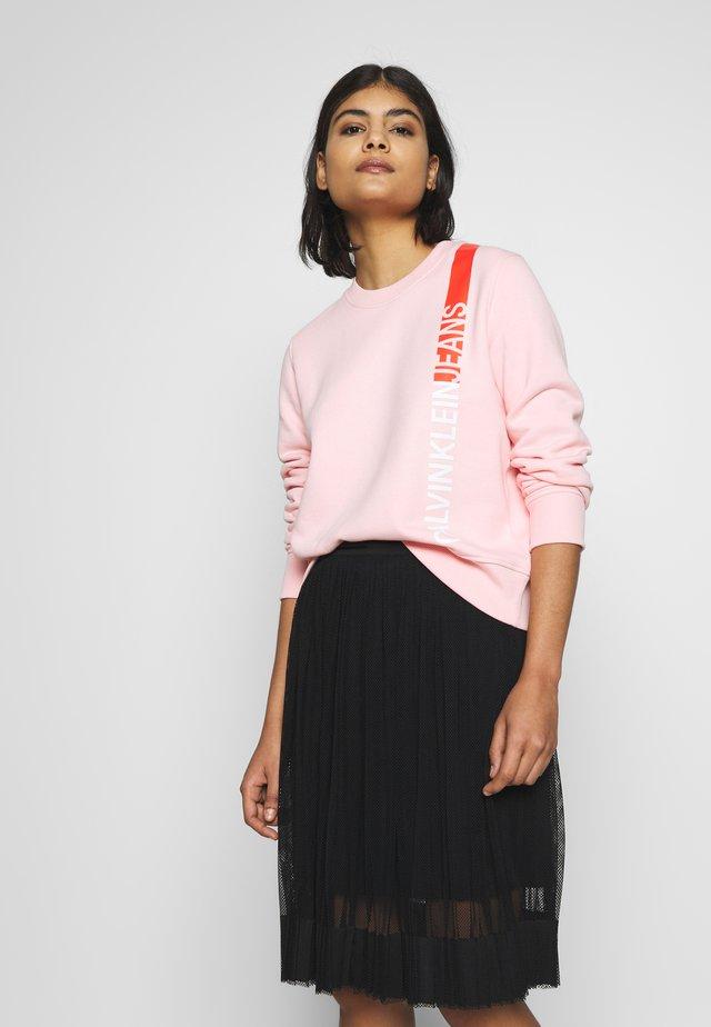 REGULAR CREW NECK - Sweatshirt - keepsake pink
