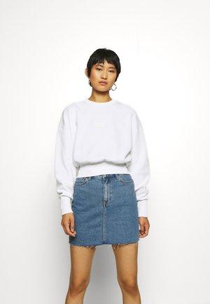 BADGE - Langarmshirt - bright white