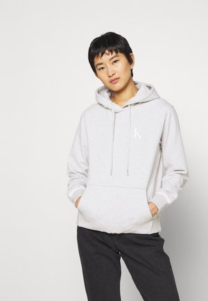 EMBROIDERY TIPPING HOODIE - Kapuzenpullover - white/grey heather