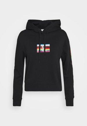 SMALL FLAG BOXY HOODIE - Felpa con cappuccio - black