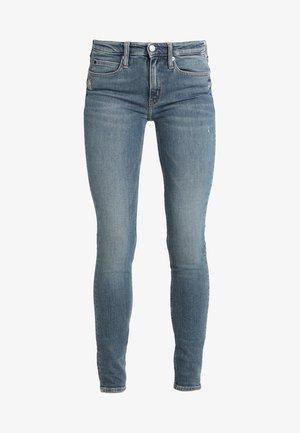 CKJ 011 MID RISE SKINNY  - Jeans Skinny Fit - london mid blue