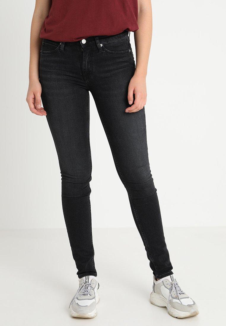 Calvin Klein Jeans - CKJ 011 MID RISE SKINNY  - Jeans Skinny Fit - stockholm black