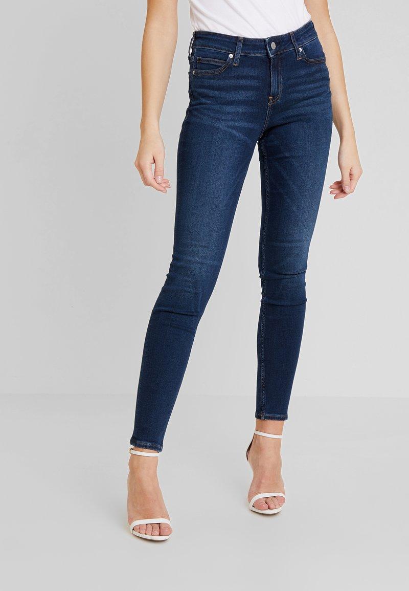 Calvin Klein Jeans - CKJ 001 SUPER SKINNY - Skinny džíny - vanern blue