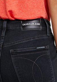 Calvin Klein Jeans - HIGH RISE - Skinny džíny - forillon black - 4