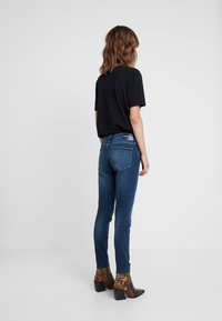 Calvin Klein Jeans - MID RISE ANKLE - Jeans Skinny Fit - wesley blue raw hem - 2
