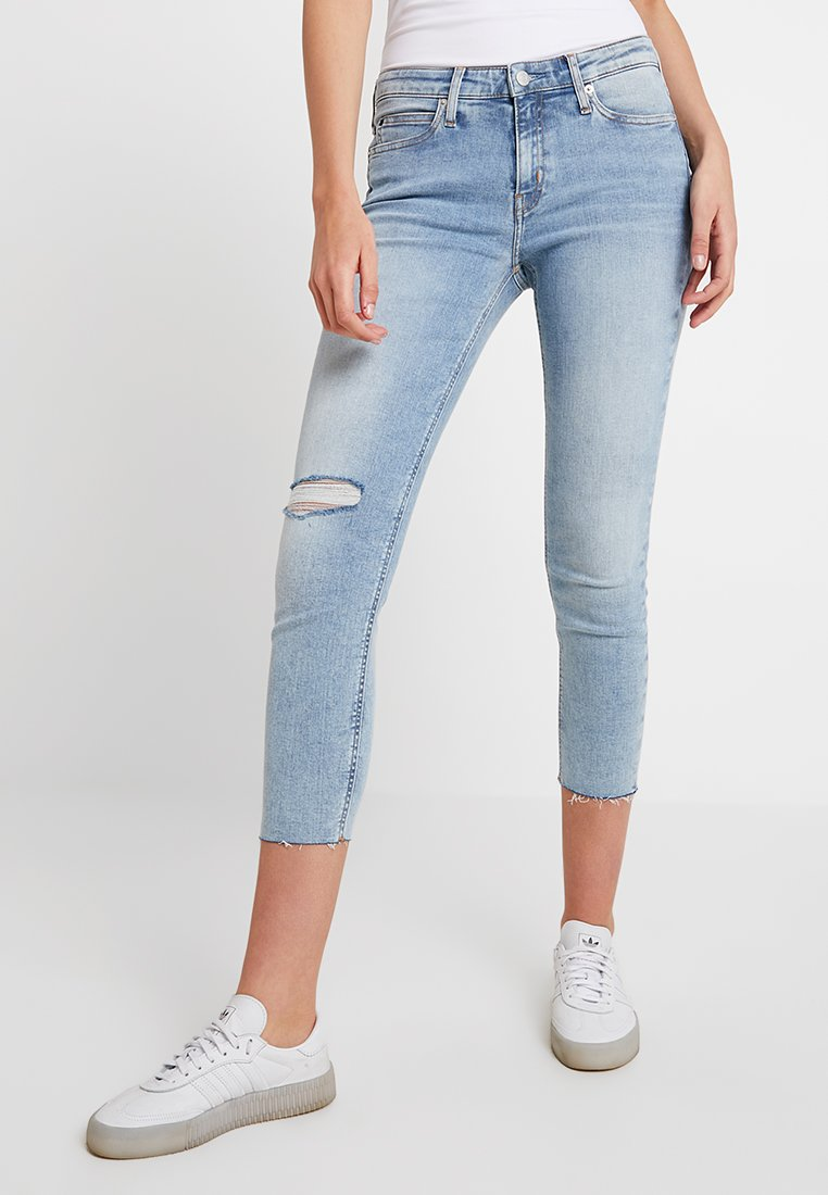 Calvin Klein Jeans - MID RISE CROP - Skinny džíny - everglades blueraw
