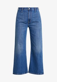 Calvin Klein Jeans - WIDE LEG ANKLE - Flared Jeans - iconic mid wear blue - 4