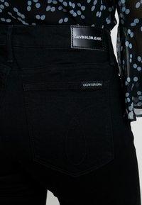 Calvin Klein Jeans - CKJ 001 SUPER SKINNY - Jeans Skinny - black enzyme - 4