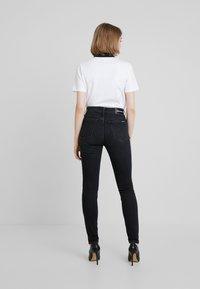 Calvin Klein Jeans - HIGH RISE SKINNY - Skinny džíny - iron horse black - 2