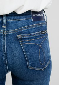 Calvin Klein Jeans - CKJ 011 MID RISE SKINNY - Jeans Skinny Fit - carthage blue - 5