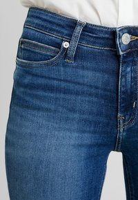 Calvin Klein Jeans - CKJ 011 MID RISE SKINNY - Jeans Skinny Fit - carthage blue - 3