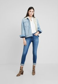 Calvin Klein Jeans - CKJ 011 MID RISE SKINNY - Jeans Skinny Fit - carthage blue - 1