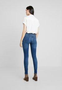 Calvin Klein Jeans - CKJ 011 MID RISE SKINNY - Jeans Skinny Fit - carthage blue - 2